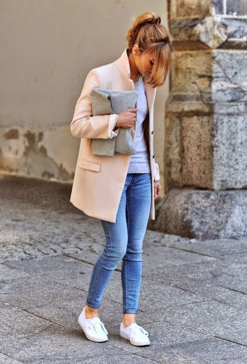lösning I Utdöd  Women's White Sneakers Outfits 2017 / 2018 How to Chic: FASHION ...