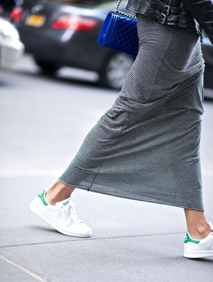 magont byggare enligt  Women's White Sneakers Outfits 2017 / 2018 20 Ways to Wear Adidas ...
