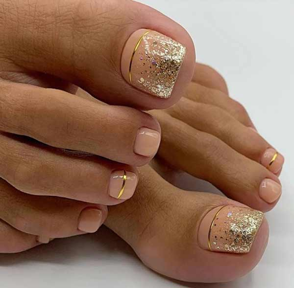 Glitter pedicure photo