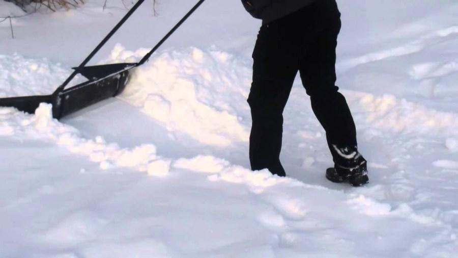 snow scraper cleaning