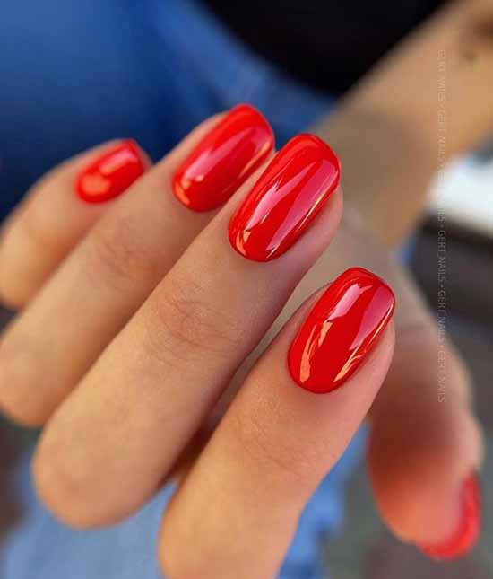 Elegant red manicure
