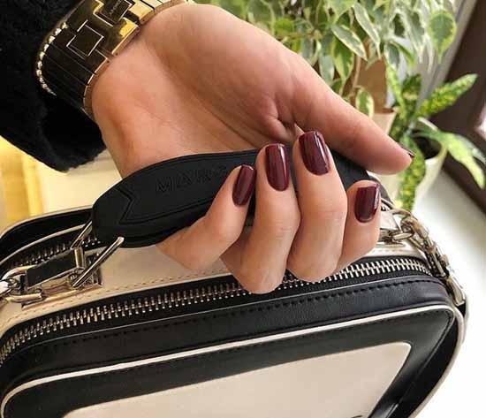 Elegant burgundy manicure