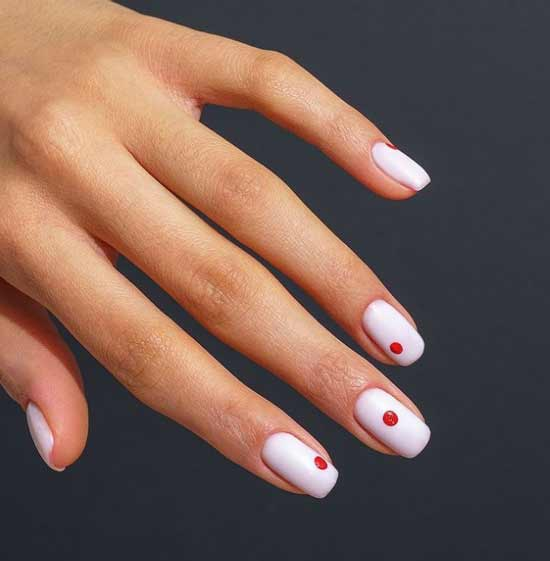 Elegant manicure with dots