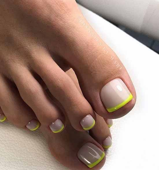 Pedicure 2021: colors, designs, stylish novelties in the photo