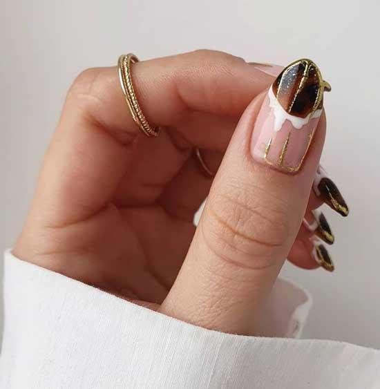 Nude winter manicure