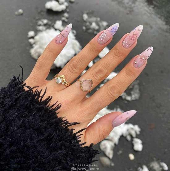 Snowflakes in winter nude manicure