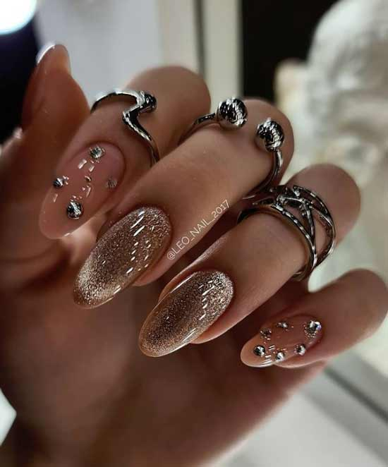 New Year's nude manicure