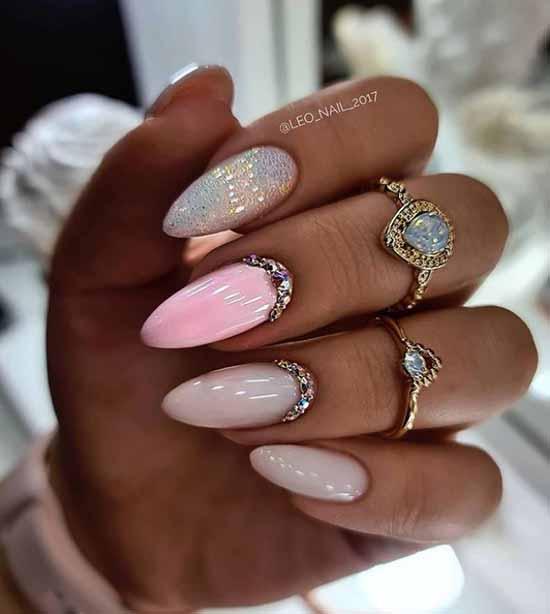 Rhinestones in manicure nude winter