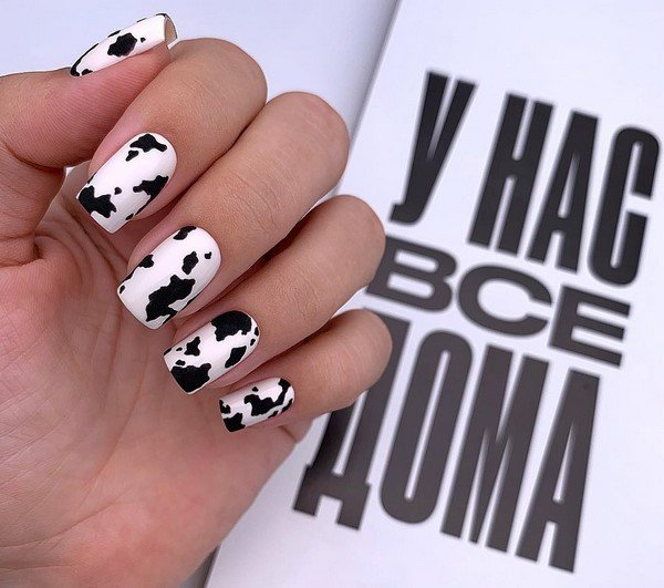 Stunning manicure design ideas in topical solutions