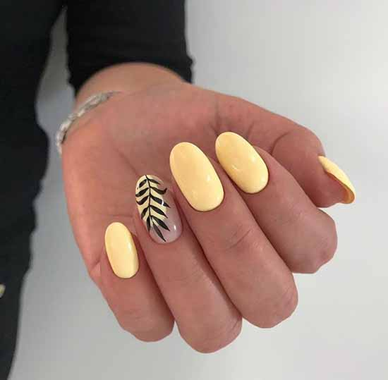 Manicure with a design on one nail: new items in the photo