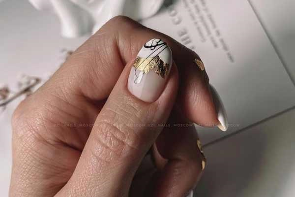 One finger design manicure