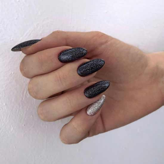 Liquid foil on black nails