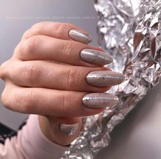 Beige manicure with kamifubuki