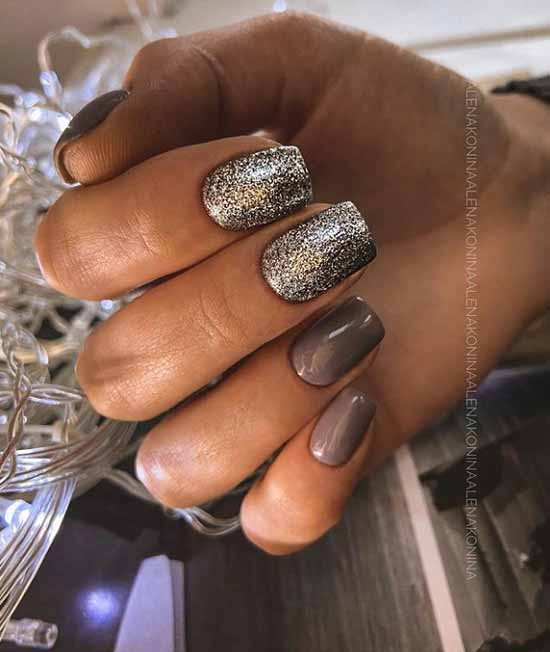 Sequins on two nails and dark beige