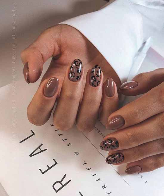 Brown manicure winter