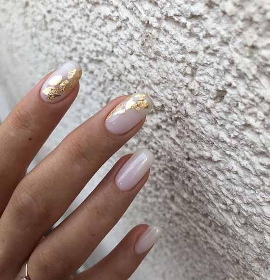 Nude manicure with foil winter