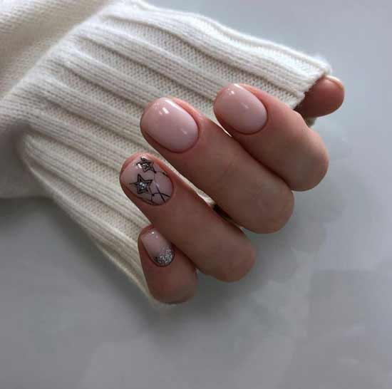Short nails manicure winter