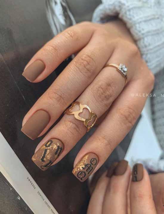 Matte brown manicure winter