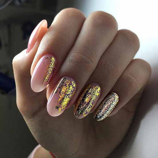 Gold and silver in fashionable winter manicure