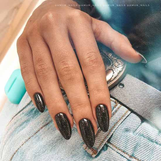 Long glitter nails trends winter