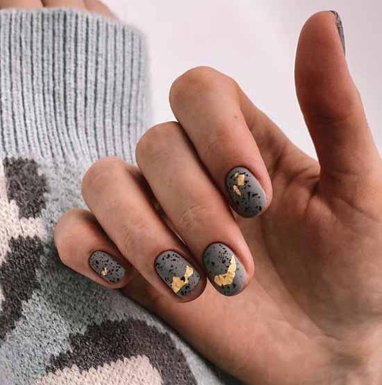 Matte gray manicure winter