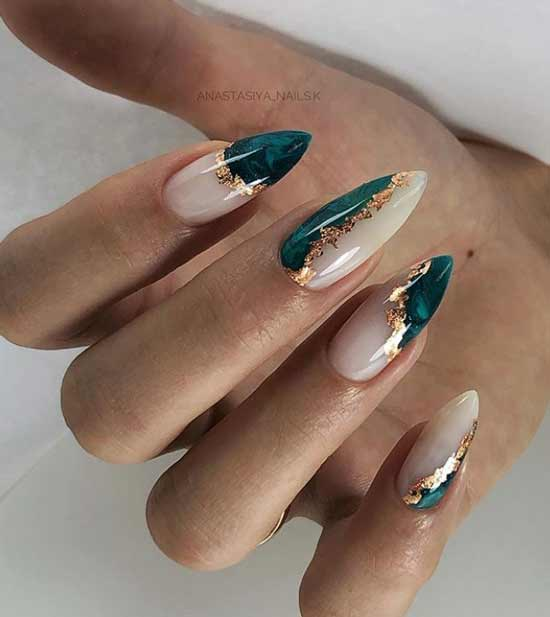 Marble manicure with potal and marble