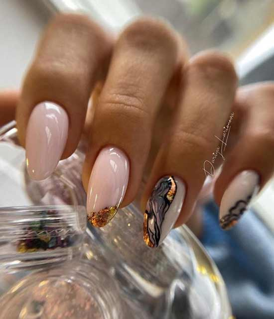 Marble design on the nails