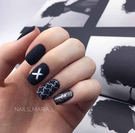 Black glitter manicure