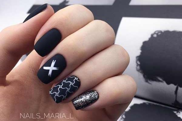 Glitter black nails