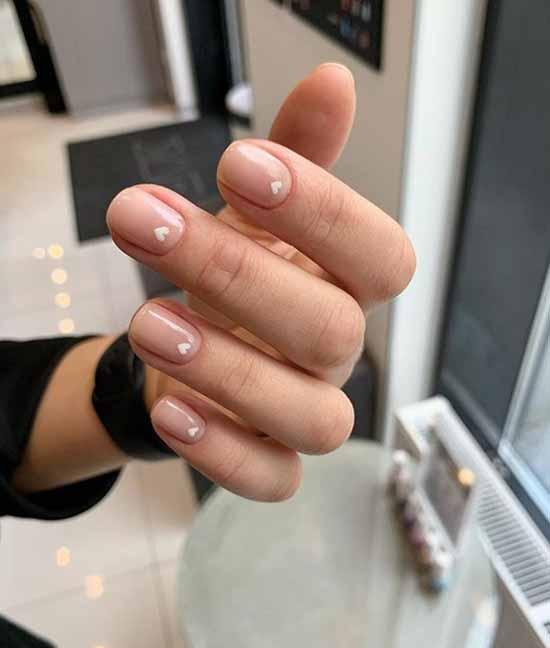 Stylish minimalism on the nails
