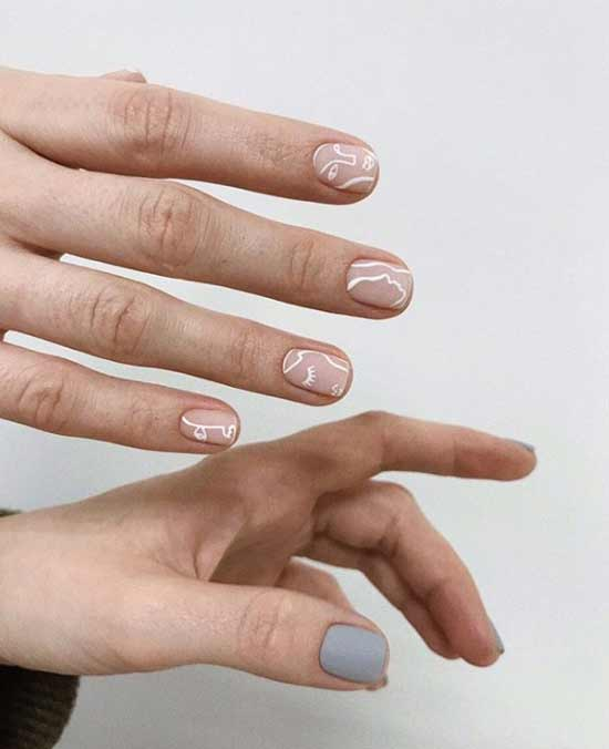 Beautiful design of short nails
