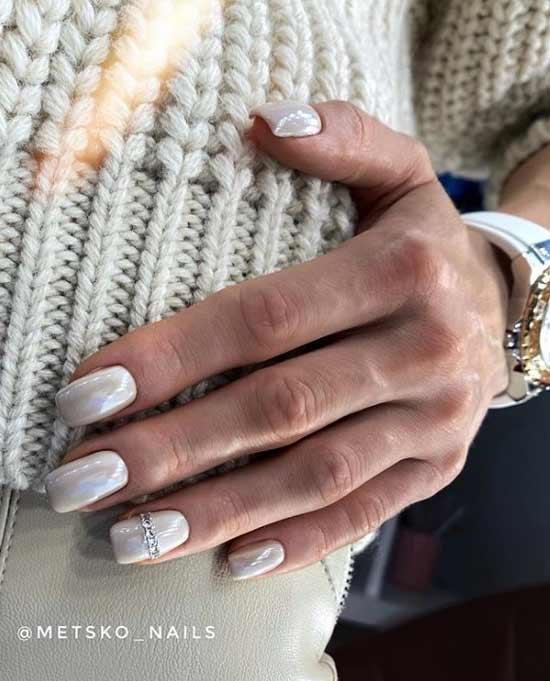 Bride's manicure gel polish photo