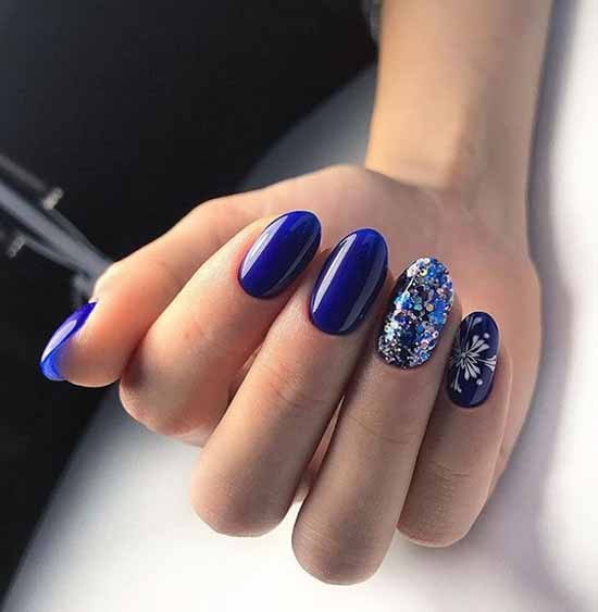 Elegant oval nails