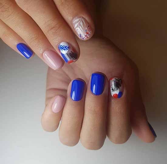 Festive nail art short nails