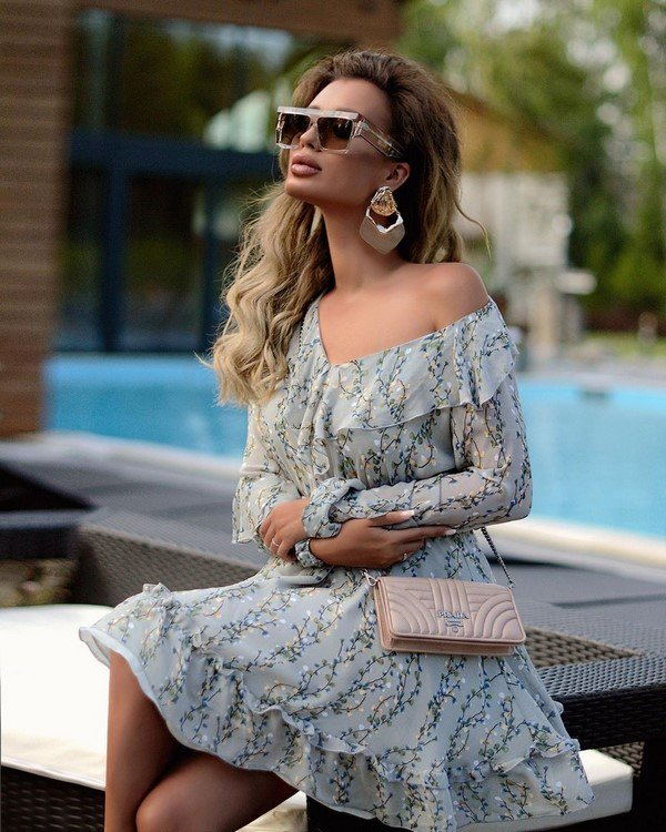 Off the shoulder dresses.  Fresh new outfits