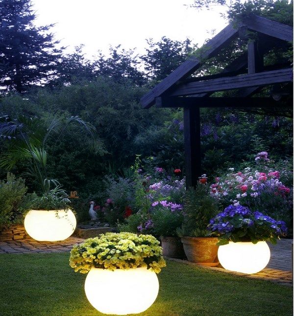 Glowing pots