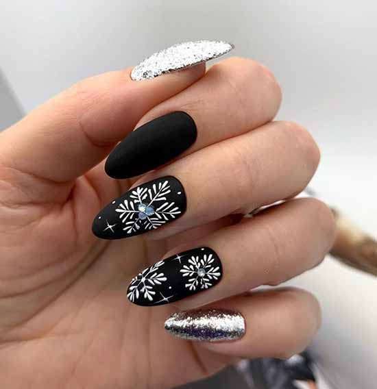 New Year's black manicure for long nails