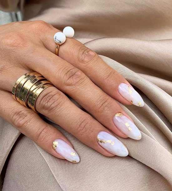 Light manicure with potal foil