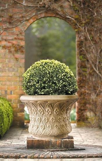 Vases in garden design