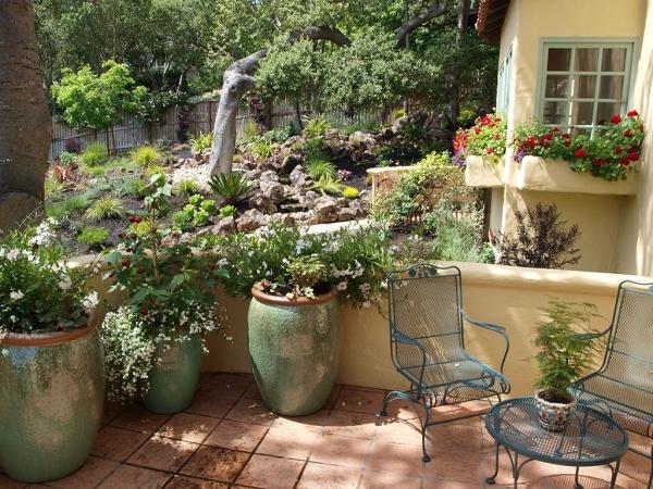 Mediterranean garden corner