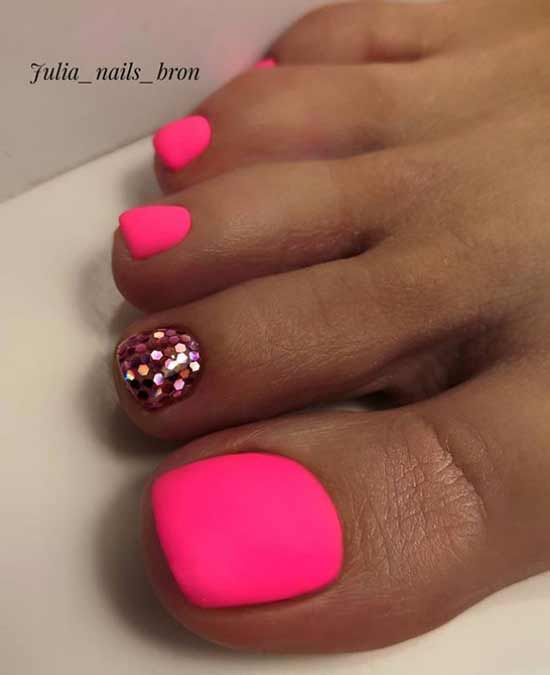 Shiny neon pedicure