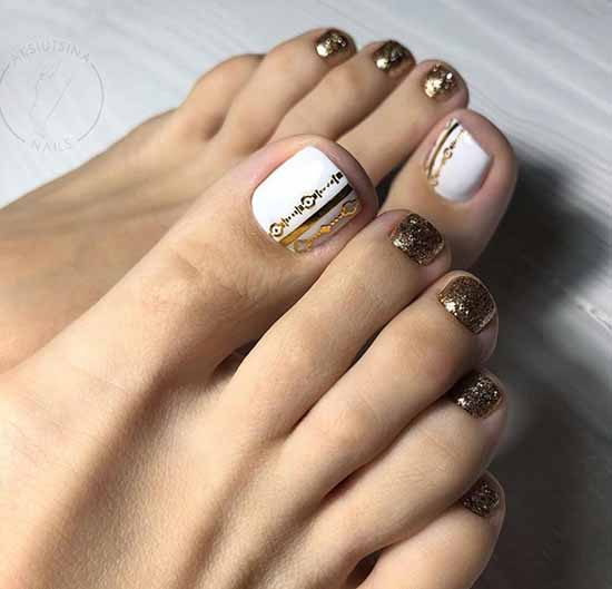 Shiny white pedicure