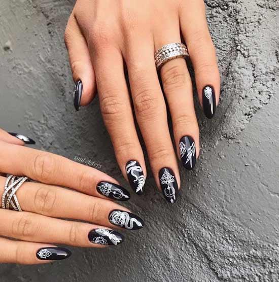 Black autumn manicure