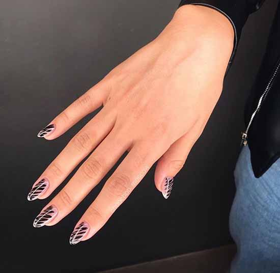 Black everyday nail design: 100 stylish new products in the photo