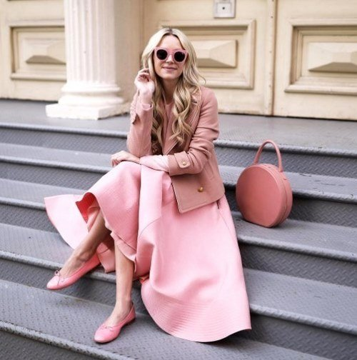 We transform into spring outfits.  Fashionable images spring