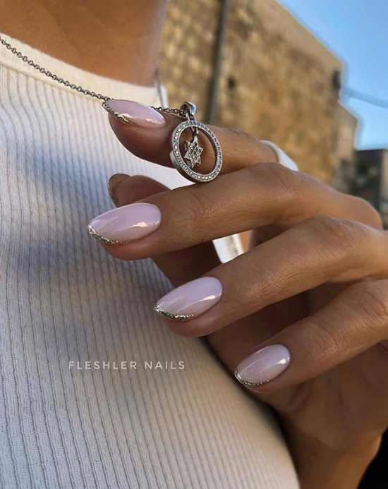 Pink nude on tanned hands