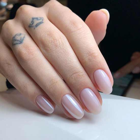 Nude with a silver powder