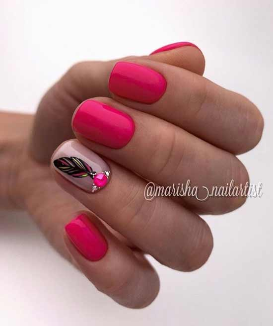 Short nails design with rhinestones