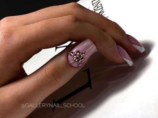 Beige manicure with rhinestones
