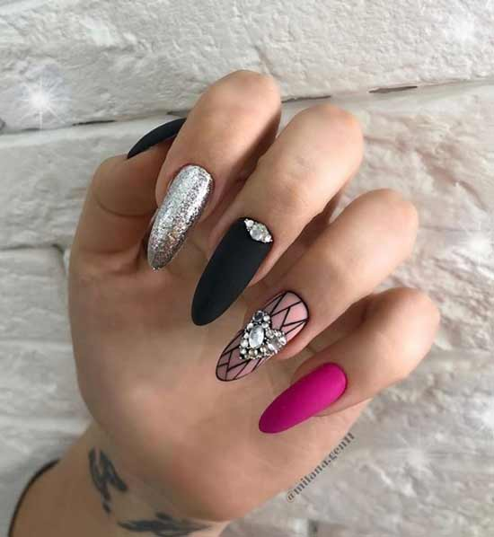 Rhinestones drawing design of long nails